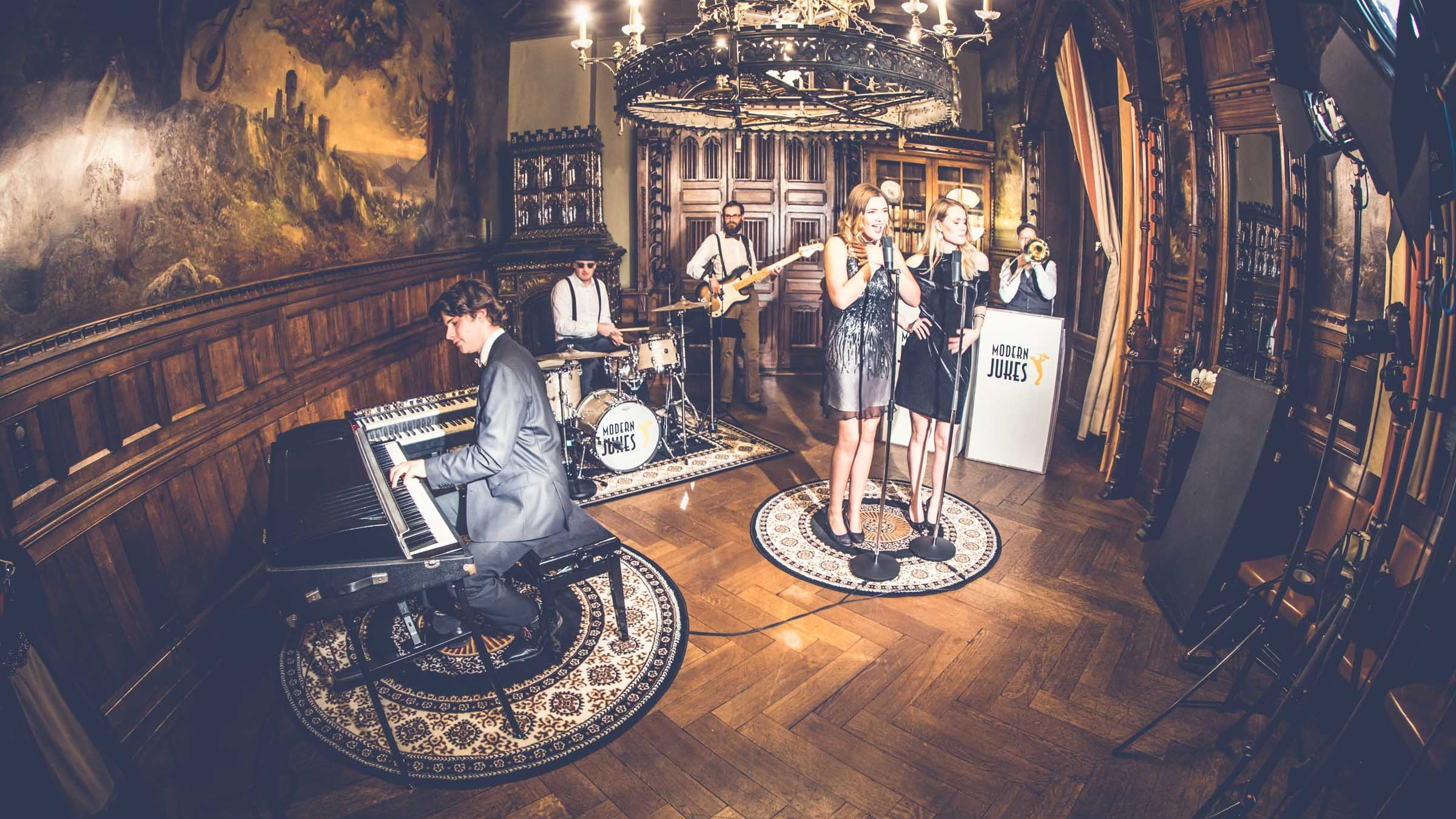 Partner | Modern | Jukes | Band | Hannover | Swing | Jazz | Lounge | Empfang | Trauung | Hochzeit | Buchen | Mieten | Anfragen