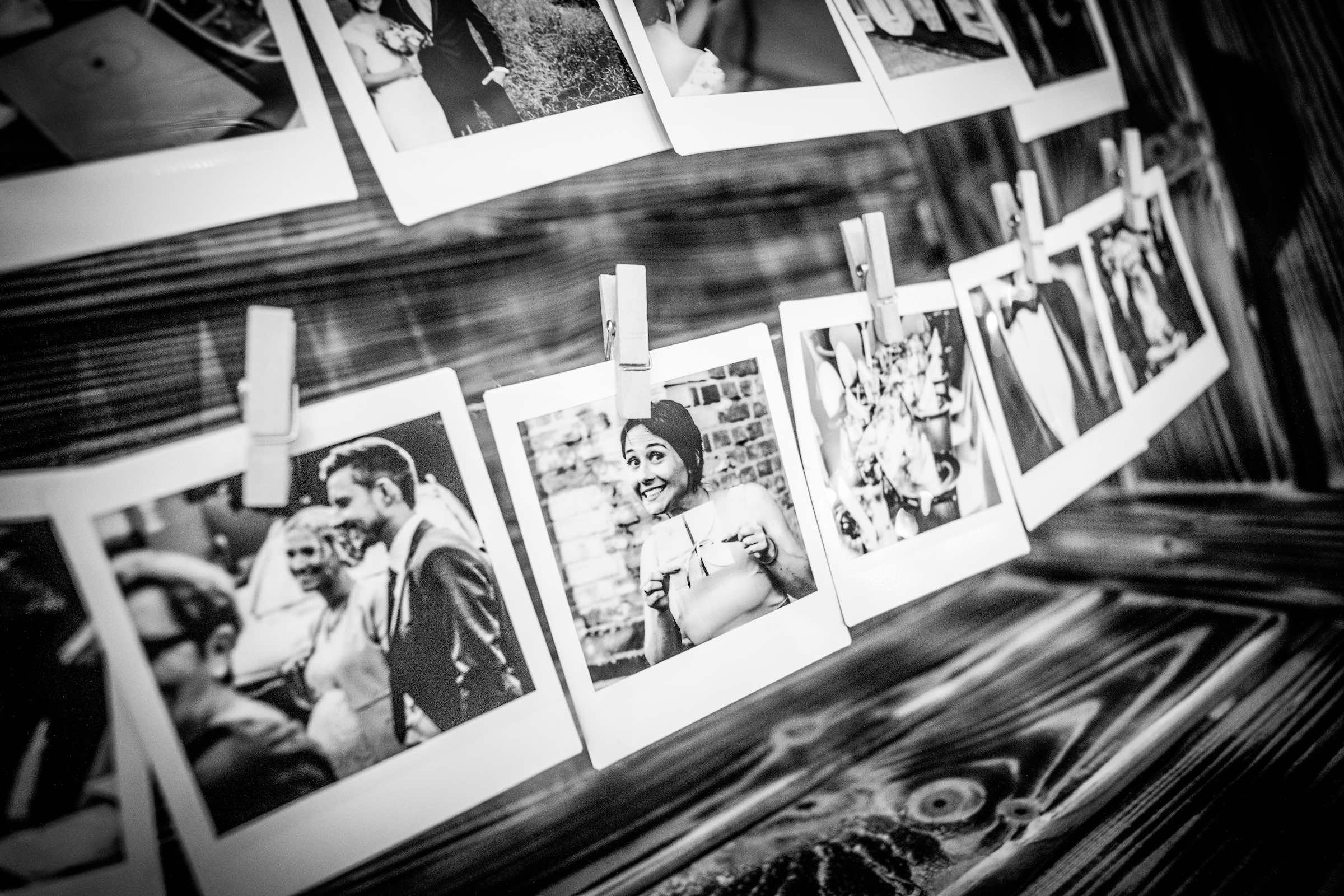 Polaroid | Kamera | Hochzeit | Polaroid | Set | Bundle | Koffer | Mieten | Anfragen | Buchen | Hochzeit | Event | Sofortbildkamera | Versand | Lieferung | Knipsel